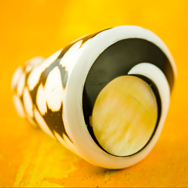 Spotted Seashell Ring - Mother of Pearl