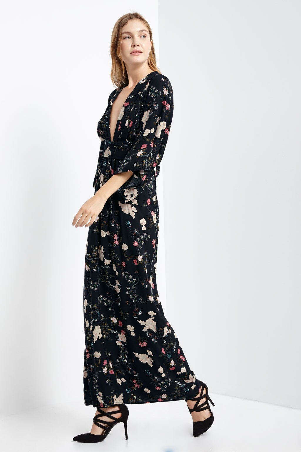 Poshsquare Dress S / Black Oen Floral Maxi Dress
