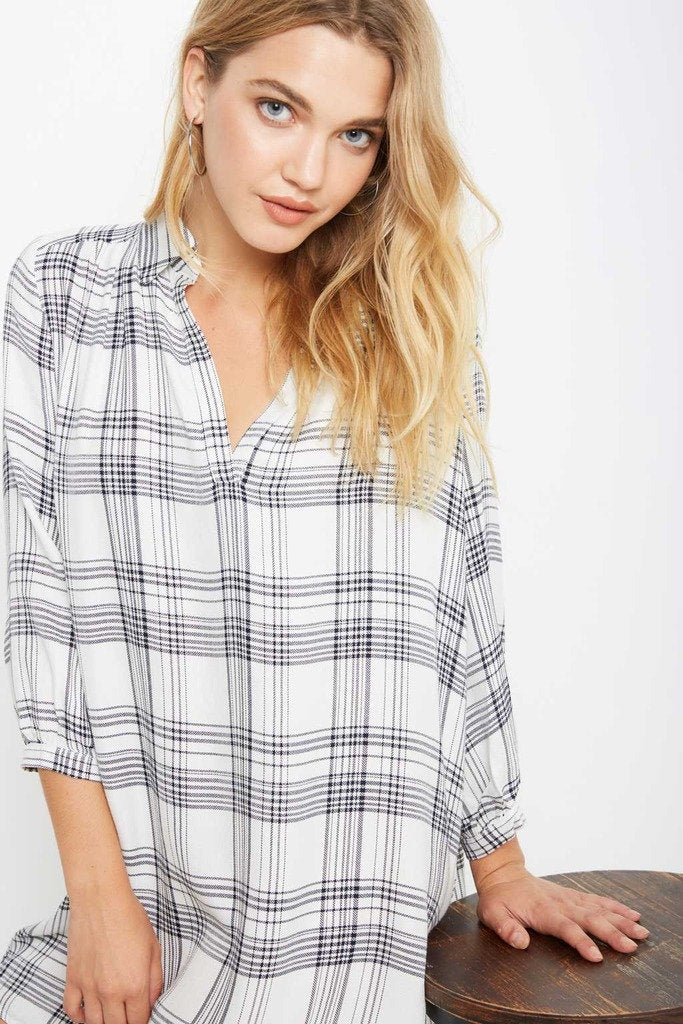 Poshsquare Dress S / White Black Play With Pattern Front-Slit Plaid Tunic