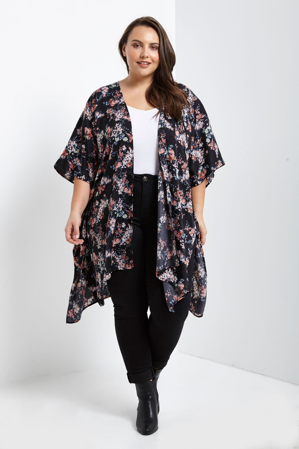 Poshsquare Plus Satin Floral Kimono Jacket Plus Size