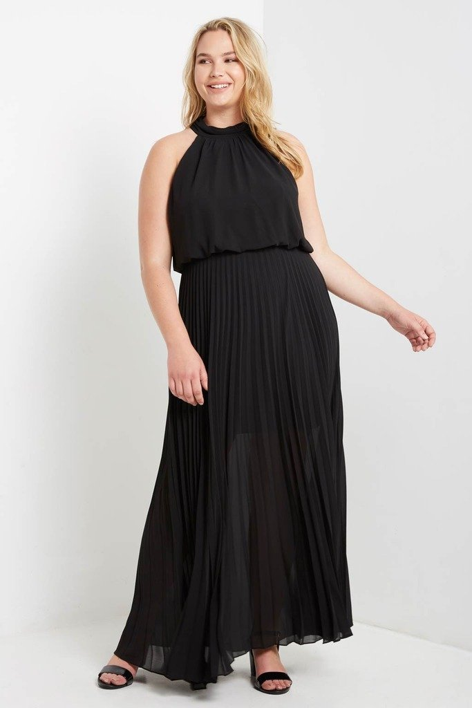 Poshsquare Plus XL / Black One Last Night Pleated Maxi Dress Plus Size