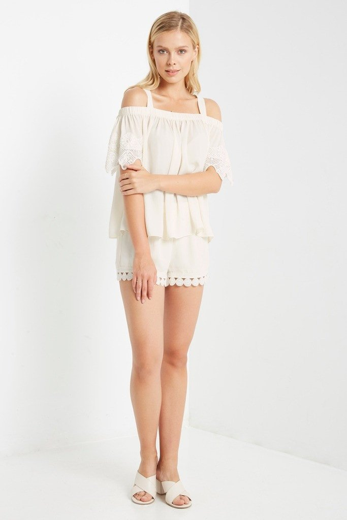 Poshsquare Shorts Cream Malgo Chiffon Shorts
