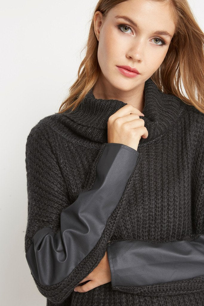 Poshsquare Tops Bundled Up Chunky Turtleneck Sweater