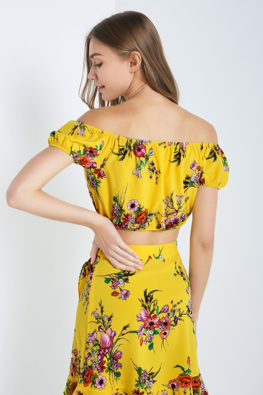 Poshsquare Tops Floral Off The Shoulder Crop Top