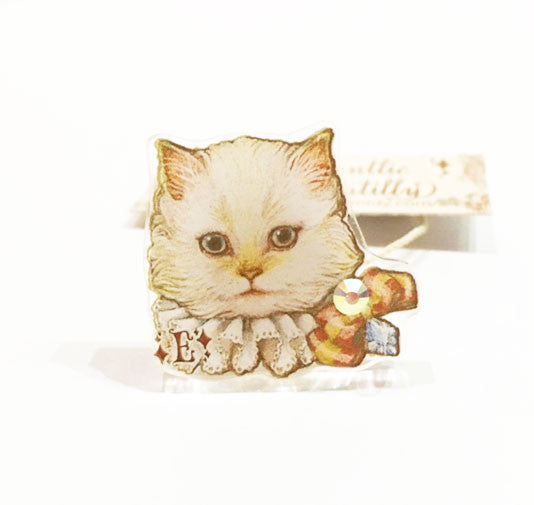 Dolled Up Ring - Ruffle Cat White