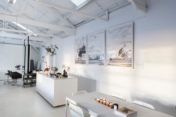 Photography: Meredith Schofield. USFIN ATELIER, SYDNEY HAIR SALON, CREATIVE SPACE, ALL WHITE, PHOTOGRAPHY STUDIO, FLORIST SYDNEY