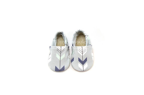 GRAY FEATHER ARROW ORGANIC BOOTIE