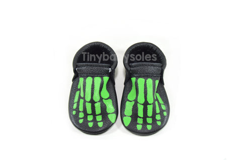 HALLOWEEN DROP- BLACK/GREEN SKELLY TOES