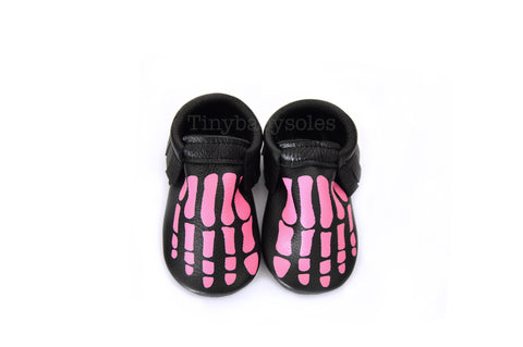 HALLOWEEN DROP- BLACK/PINK SKELLY TOES