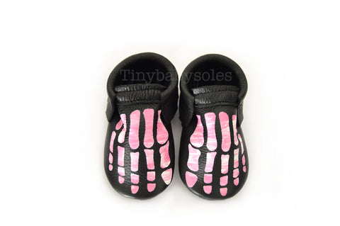 HALLOWEEN DROP- PINK TIE DYE SKELLY TOES