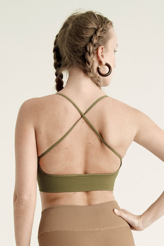 products/BEEKMAN_PLACE_PB1211.OLIVE.BACK.ALT_5b23fd0c-4743-4ac2-846e-f1812e7cd084.jpg