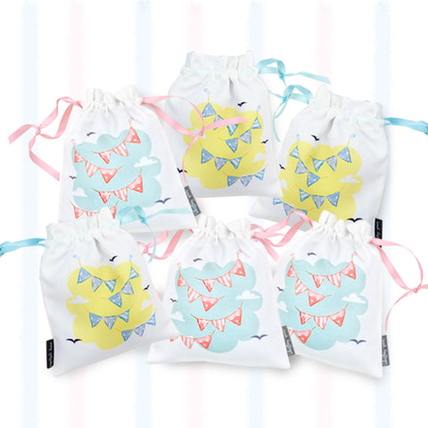 GIFT BAGS {flags - set of 6}