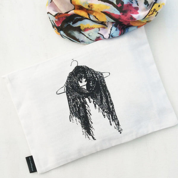 JUTTI BAGS & MORE {black and white collection}