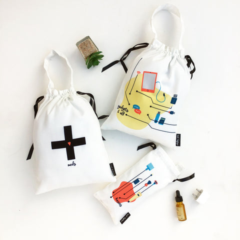 KNICK-KNACK BAGS {daily essentials}