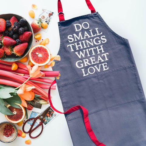 APRON {great love}