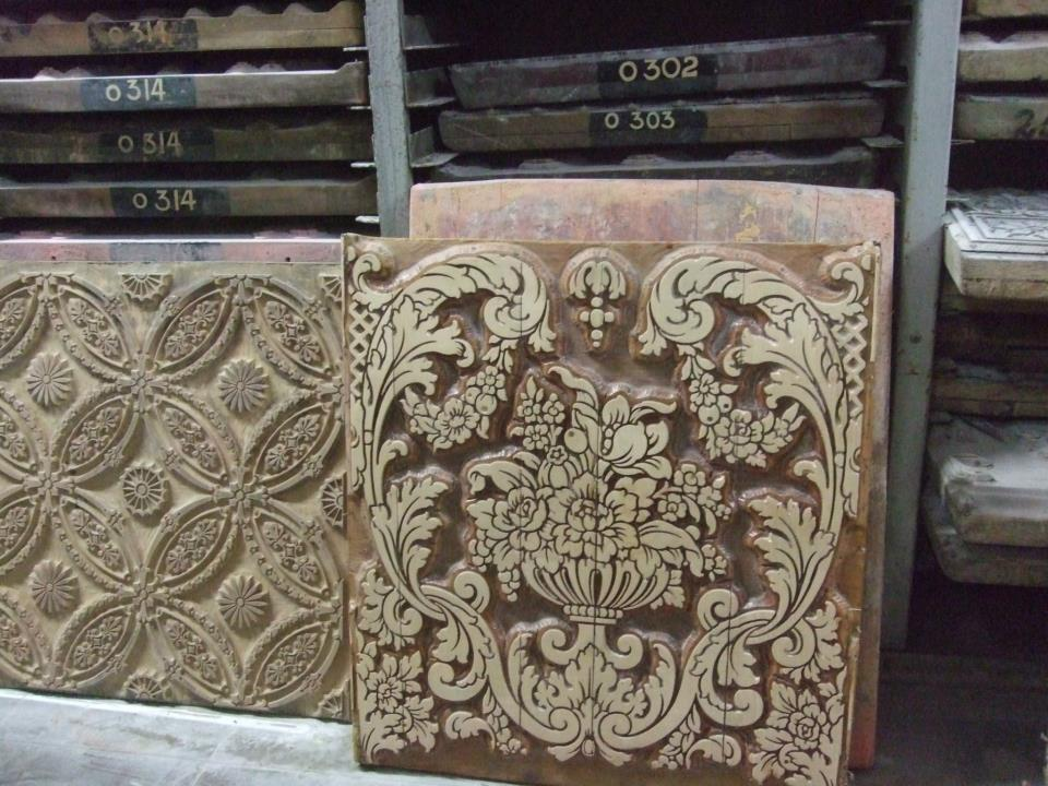 cole-and-son-hand-carved-wood-blocks