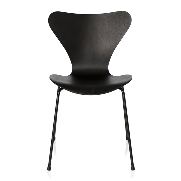 Fritz Hansen 'Series 7 Chair' by Arne Jacobsen - Monochrome Black