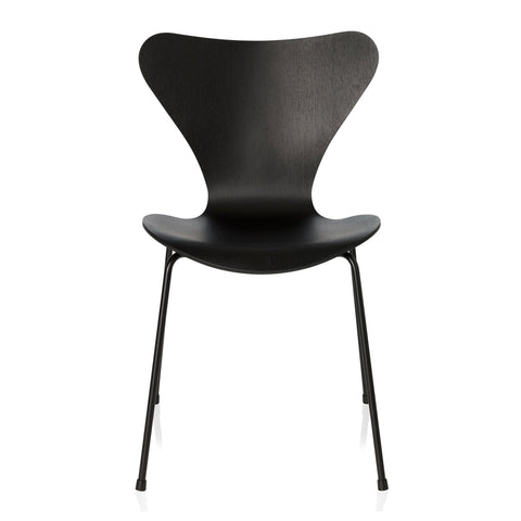 Fritz Hansen Series 7 Chair - Monochrome
