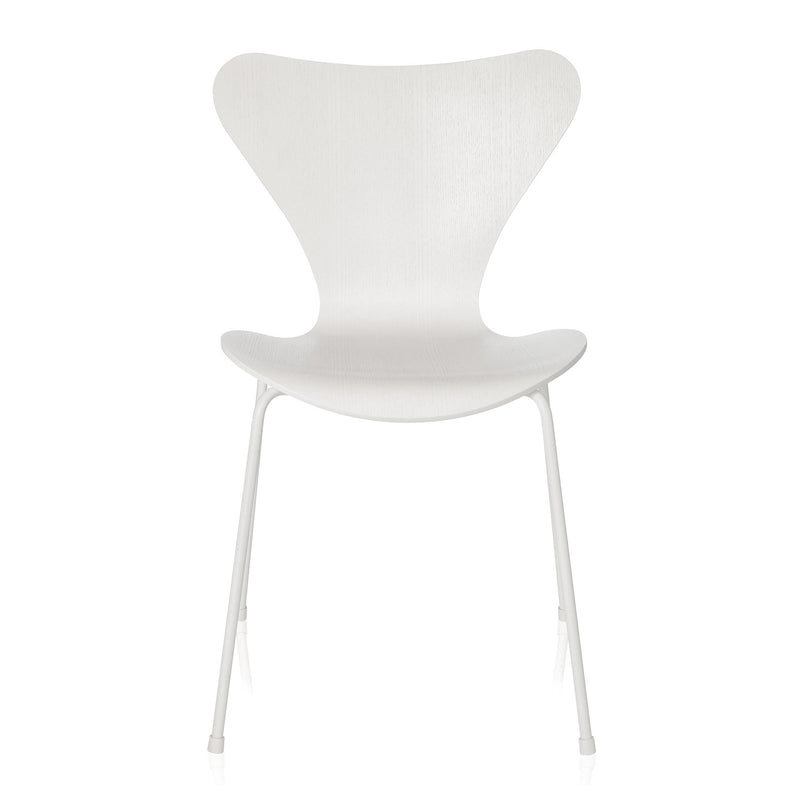 Fritz Hansen 'Series 7 Chair' by Arne Jacobsen - Monochrome White