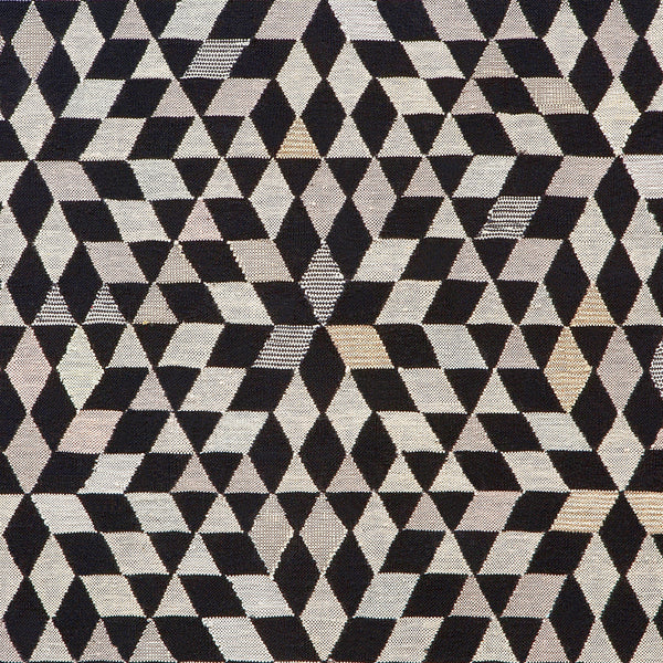Golran 1898 Diamond Black Cream Rug by Bertjan Pot Detail