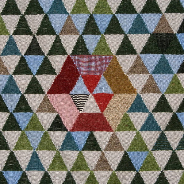 Golran 1898 Trianglehex Sweet Green Rug by Bertjan Pot Detail