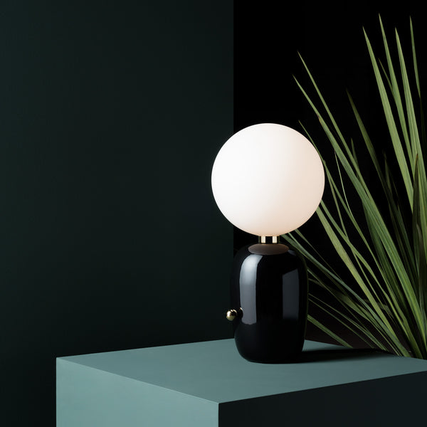 Parachilna 'Aballs M' Table Lamp - Black by Jaime Hayon Roomset