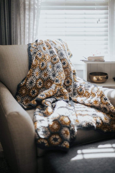 Blankets Seasonal Hand-Crocheted Blanket WO034