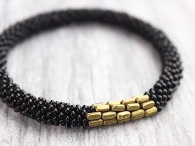 Bracelets Black and Gold Roll-On Bracelet SW01