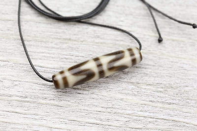 Dzi Beads Tiger Tooth Protection Dzi Bead DNECK057