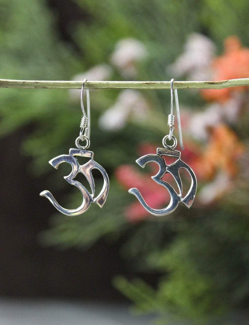 Earrings Default Rounded Sterling Silver Om Dangle Earrings je443
