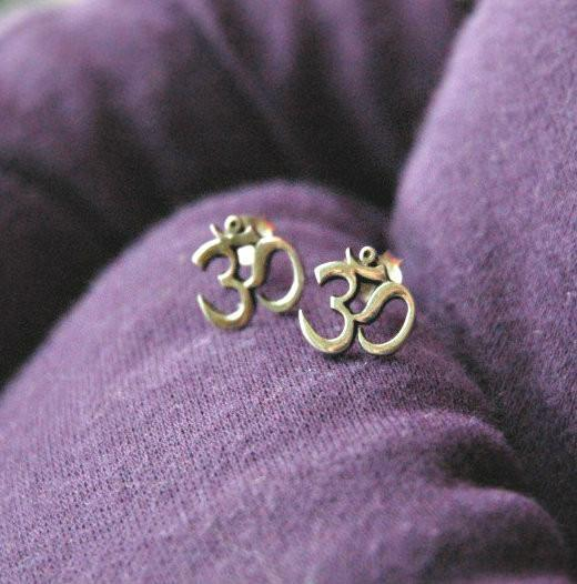 Earrings Default Sterling Silver Om Post Earrings je137