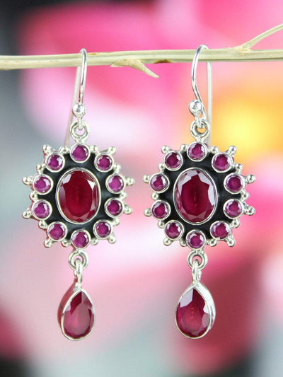 Earrings Radiant Garnet Earrings JE491