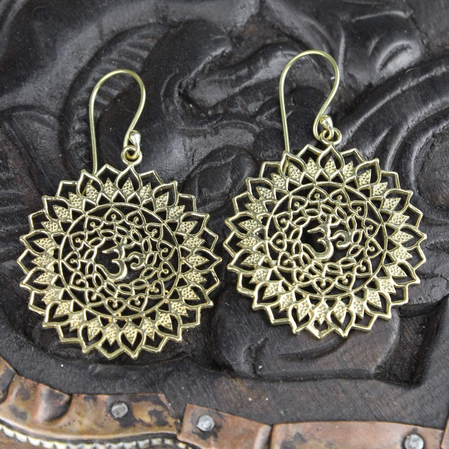 Earrings Sacred Om Mandala Earrings JE479