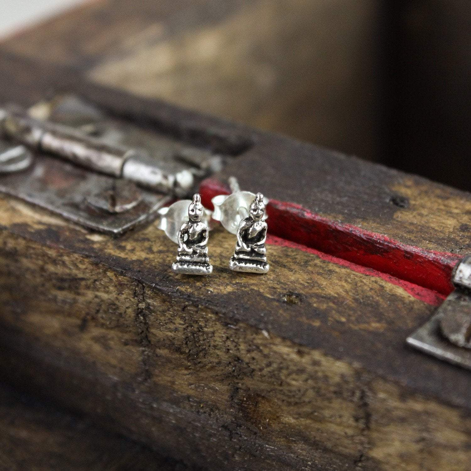 Earrings Tiny Meditating Buddha Earrings JE508
