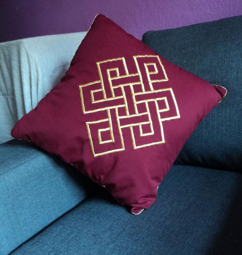 Home Default Gold Eternal Knot Embroidered Maroon Pillow home006