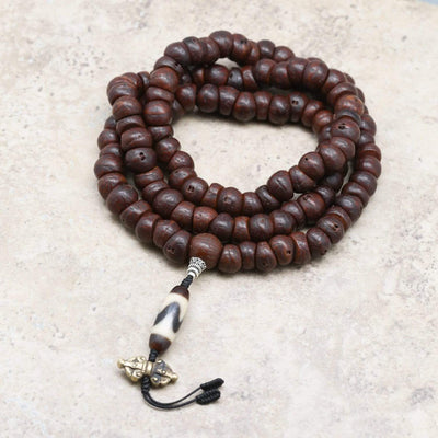 Mala Beads Bodhi Mala with Tiger Tooth Dzi ML737