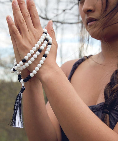 Mala Beads White Jasper and Onyx Reflection Mala ML501