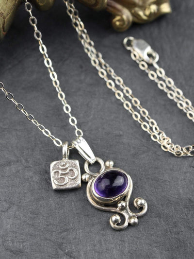Necklaces Amethyst and Om Charm Necklace JN746