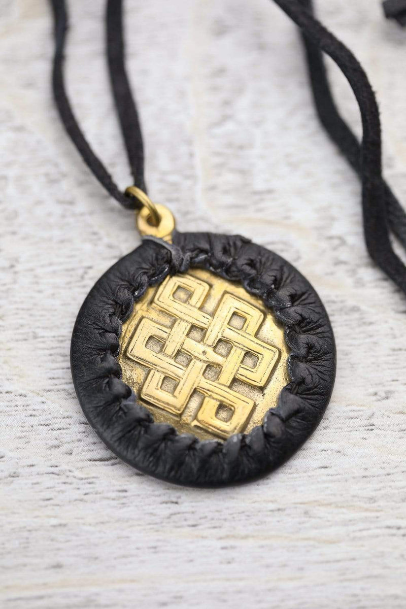 Necklaces Eternal Knot Medallion Necklace JN734