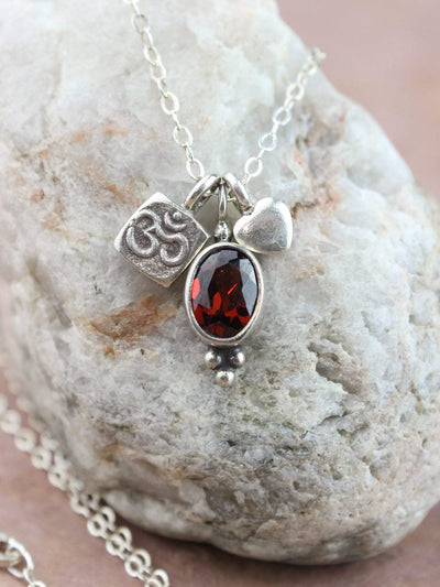 Necklaces Garnet Dream Charm Necklace JN744