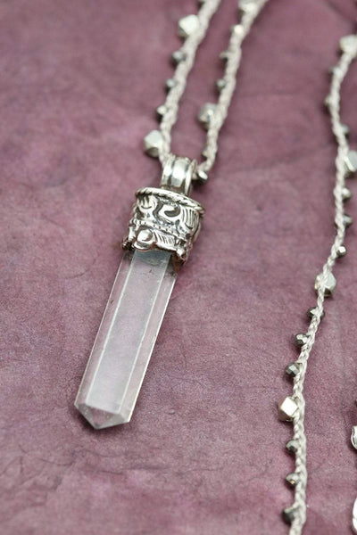 Necklaces Quartz Crystal Energy Necklace JN793