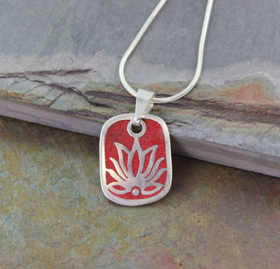 Pendants Default Tibetan Lotus Red Copal Pendant jp263