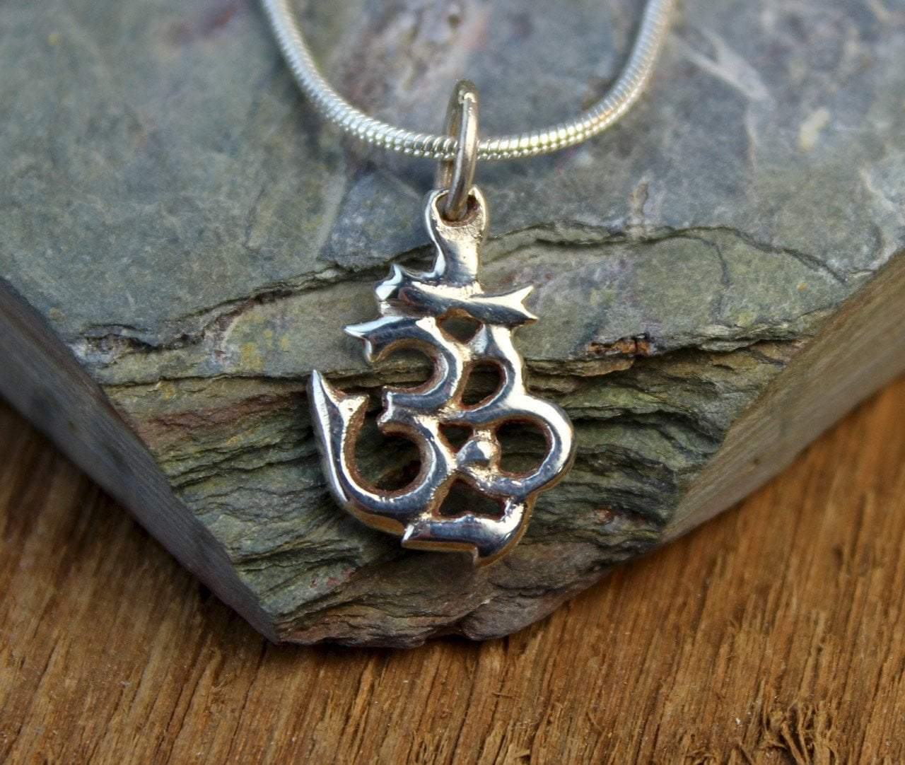 Pendants Default Tiny Sterling Silver Om Pendant jp406