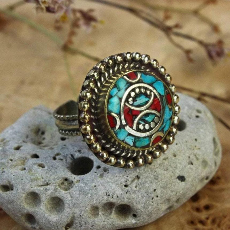 Rings 5 Classic Tibetan Ring With Coral and Turquoise Jr204.5