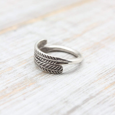 Rings 6 Free Spirit Feather Ring JR256.06