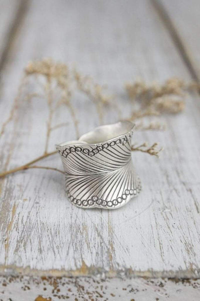 Rings 6 Leaf Wrap Cuff Ring JR213.06