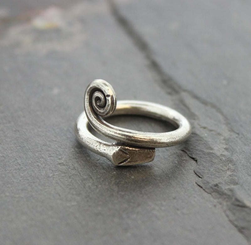 Rings 6 Serpent Swirl Ring jr101.06