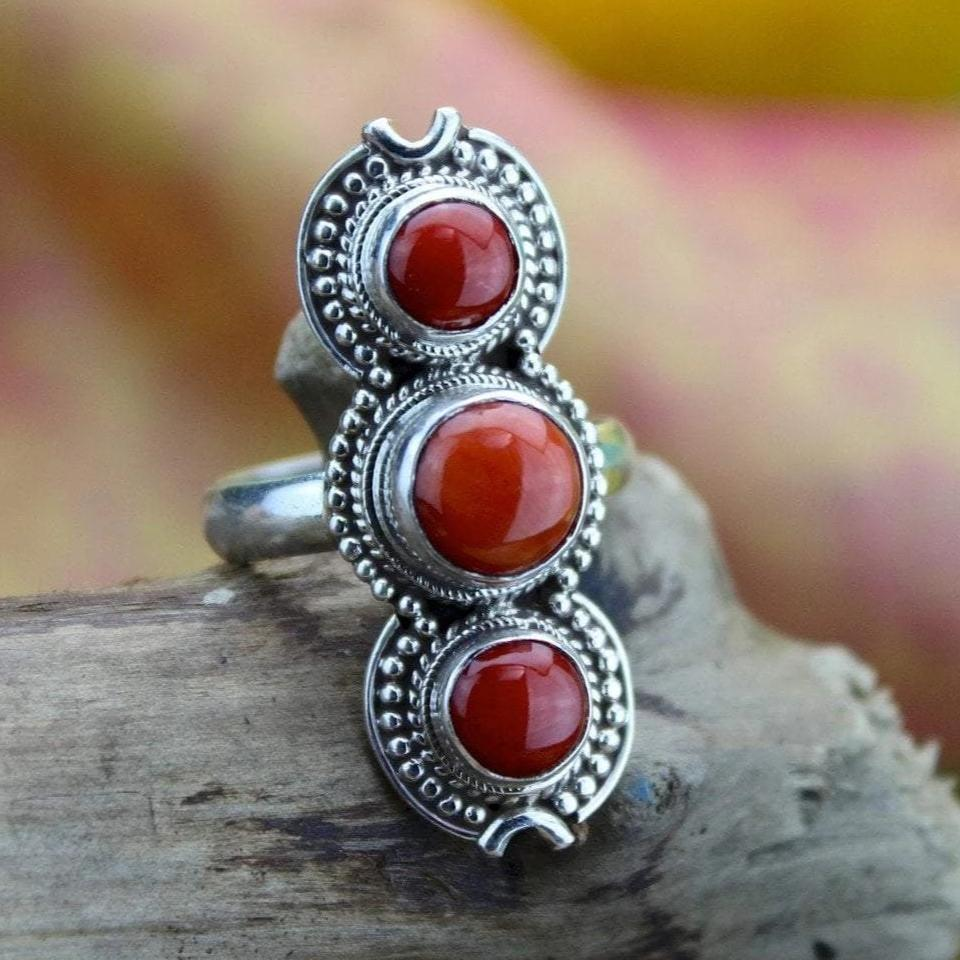 Rings 7 3 Stone Coral and Sterling Silver Ring jr145.7