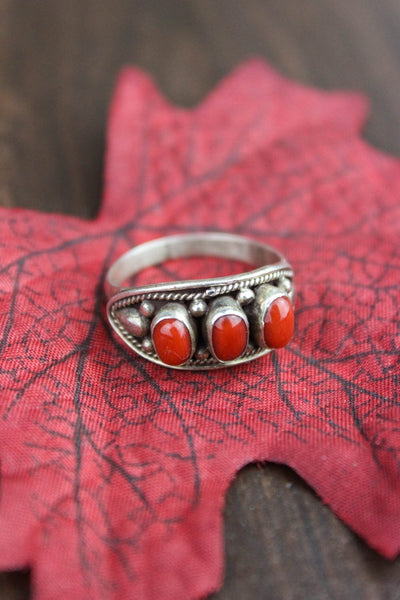Rings 7 Antique Coral Embellishment Ring JR043.7