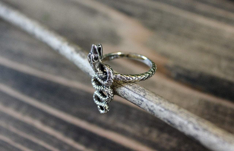 Rings 8 Hissing Serpent Ring jr159.8